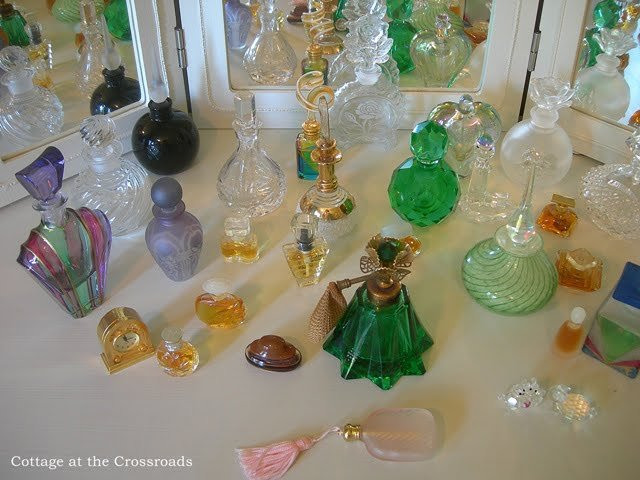 ♥ ♥ ♥ PaRFuMeT ... FoTo !! - Faqe 8 Perfume-cabinet-082