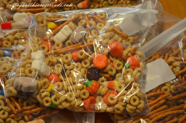 snack mix in baggies