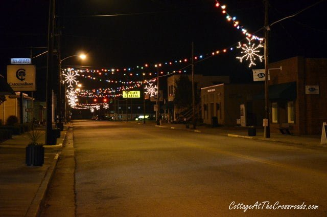 but this is not out of the 1950s this is my hometown of lamar today and these christmas lights bring back a lot of memories that i dont want to lose
