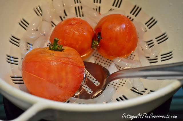 peeling my tomatoes after blanching