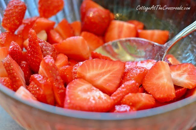 Asparagus Strawberry Salad with Orange Balsamic Dressing   Cottage at the Crossroads