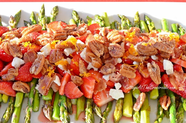 Asparagus Strawberry Salad with Orange Balsamic Dressing | Cottage at the Crossroads