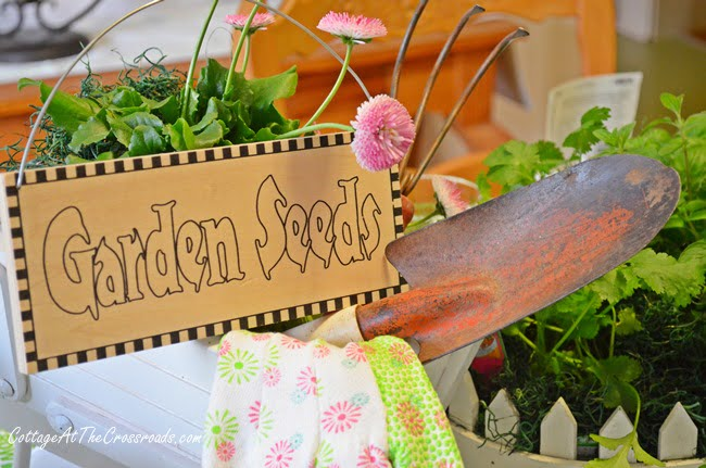 Spring Garden Tablescape | Cottage at the Crossroads