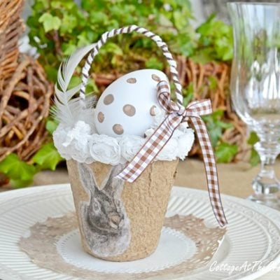 neutral bunny tablescape