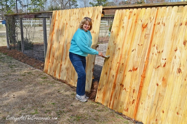 Wooden Fence Panels in the Garden |cottageatthecrossroads.com