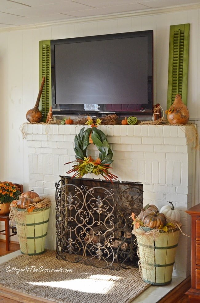 fall mantel | Cottage at the Crossroads
