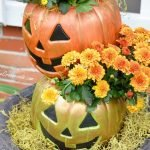 topsy turvy Jack-O' Lanterns | Cottage at the Crossroads