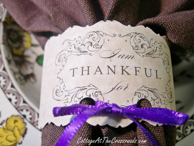 Thanksgiving napkin rings made from paper | Cottage at the Crossroads