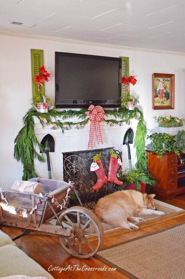A Gardener's Christmas | Cottage at the Crossroads