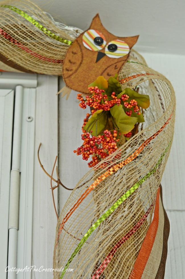 fall garland with owls on the front porch | Cottage at the Crossroads