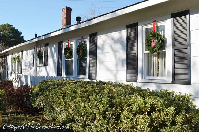 Outdoor Christmas Wreaths | Cottage at the Crossroads