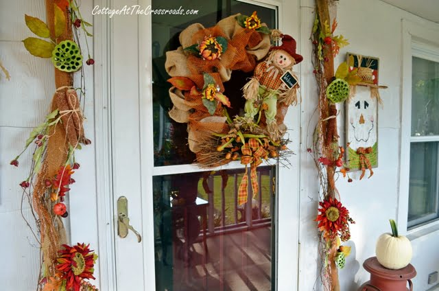 fall porch display | Cottage at the Crossroads