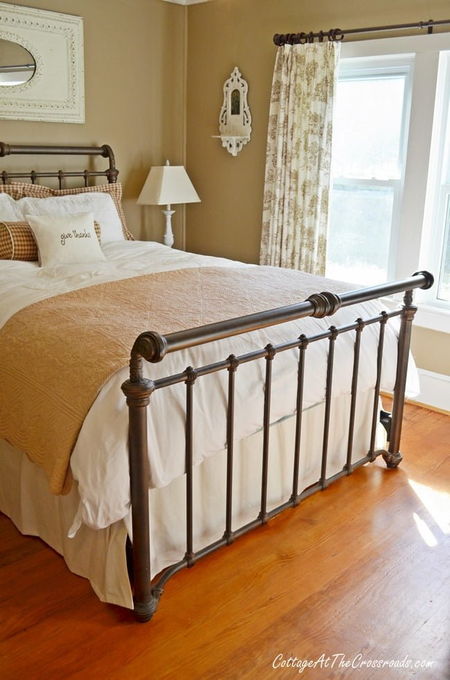 neutral guest bedroom | Cottage at the Crossroads