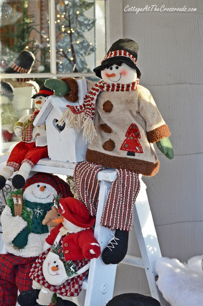 Christmas on the Front Porch | Cottage at the Crossroads