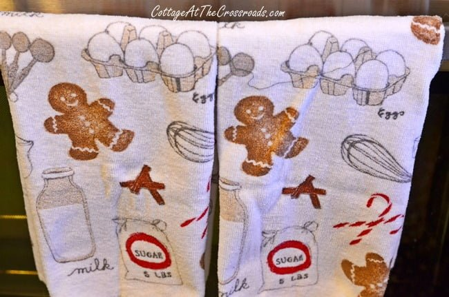 Christmas Gingerbread towels | Cottage at the Crossroads
