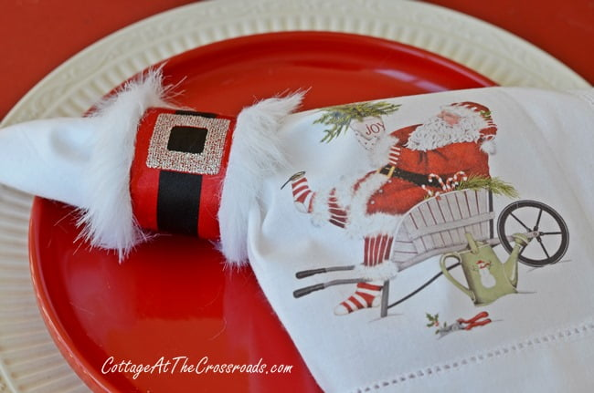 Gardening santa tablescape cottage at the crossroads diy santa napkin rings cottage at the crossroads solutioingenieria Images