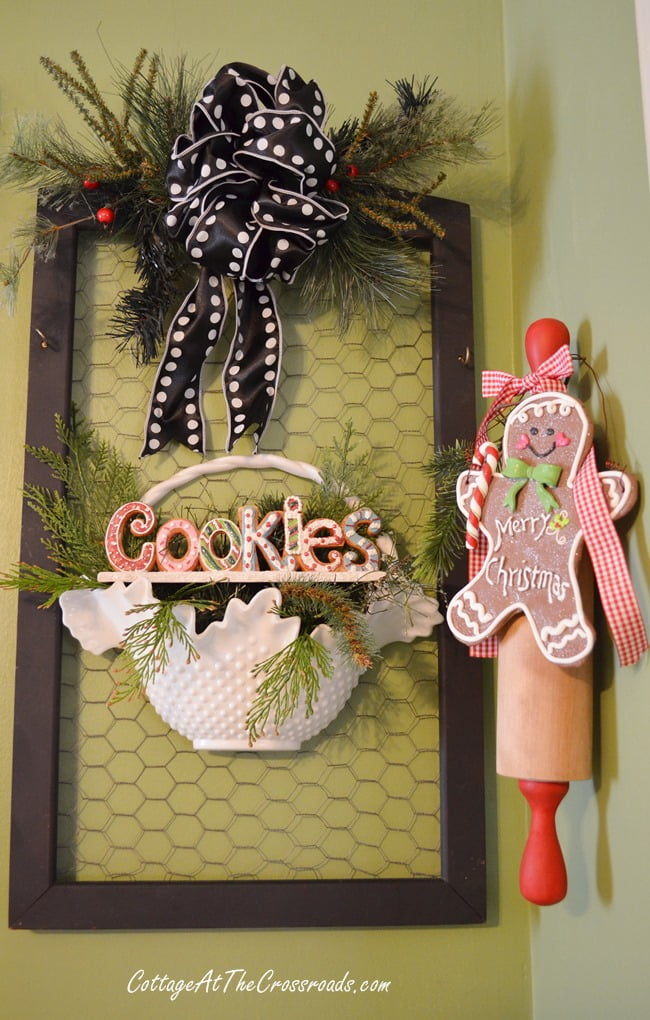 Christmas kitchen decorations | Cottage at the Crossroads