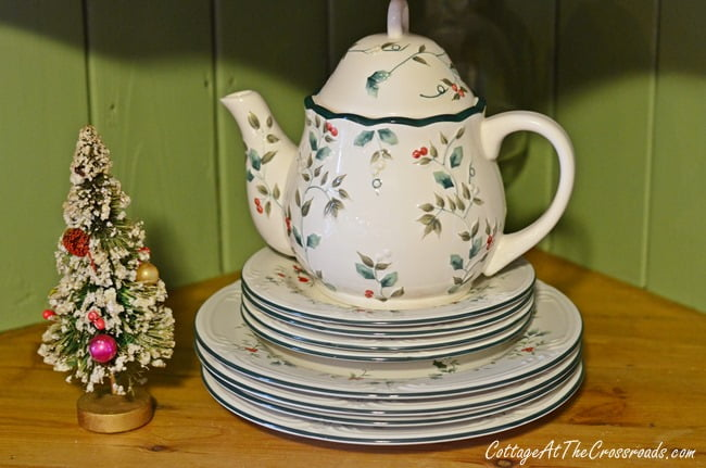 Christmas in the Dining Room | Cottage at the Crossroads