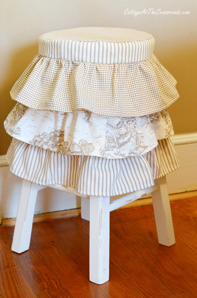 ruffled stool cover | Cottage at the Crossroads