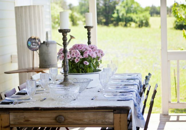 Table at Cedar Hill Farmhouse