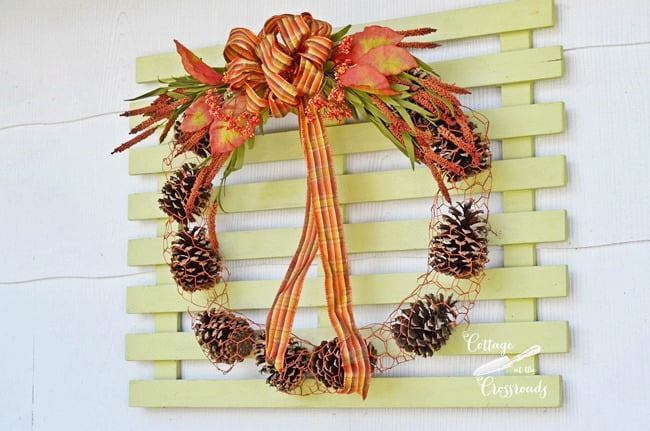 chicken wire and pine cone wreath | Cottage at the Crossroads
