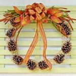 chicken wire and pine cone wreath