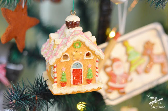 gingerbread tree ornaments | Cottage at the Crossroads