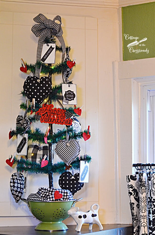 Valentine's Day tree for the kitchen | Cottage at the Crossroads