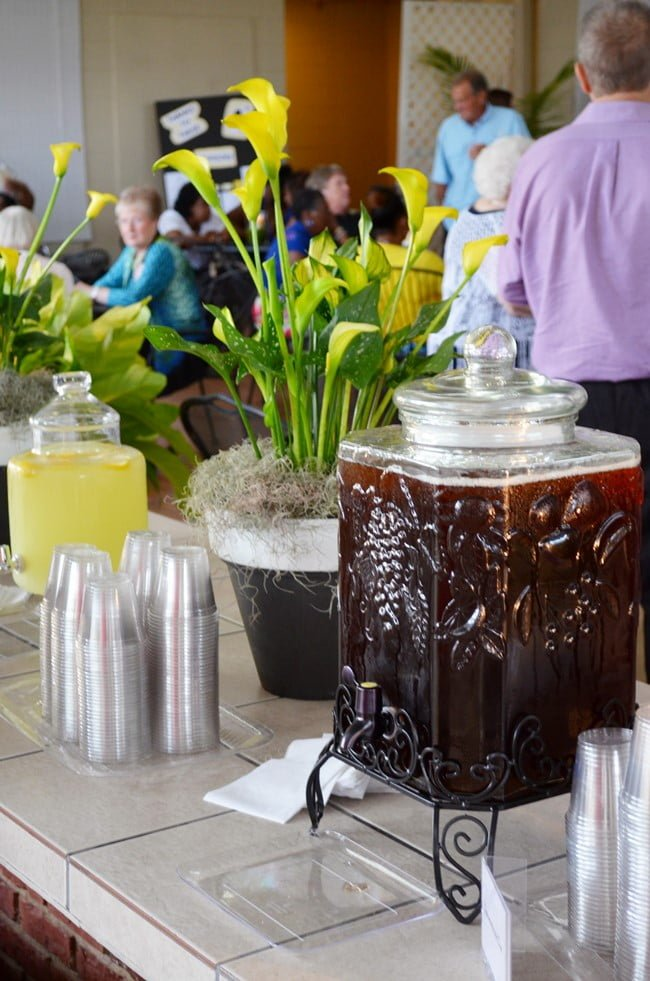 sweet tea in pretty beverage container at the Civitan golf benefit party