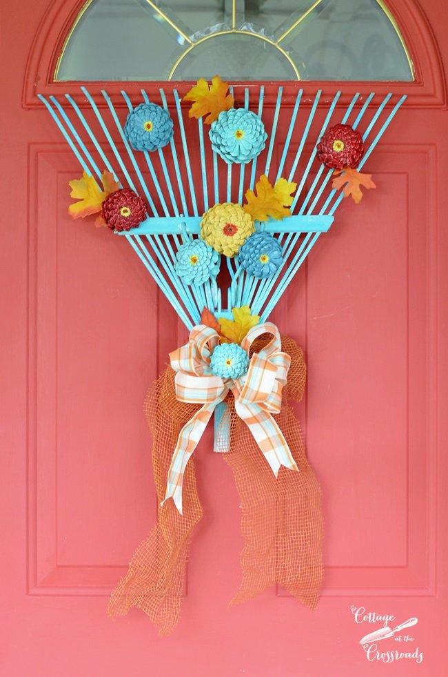 Turn an old rake head into a fall rake wreath!   Cottage at the Crossroads