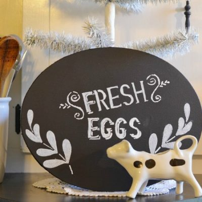 farmhouse sign stenciled with a chalk marker