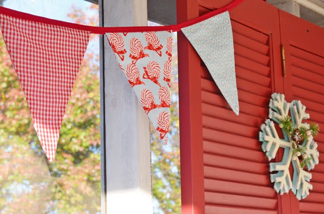 red and aqua Christmas bunting
