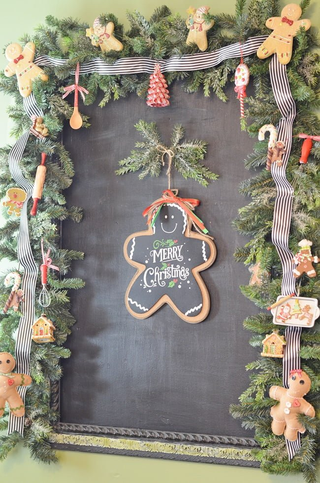 Gingerbread Christmas Kitchen : Cottage at the Crossroads
