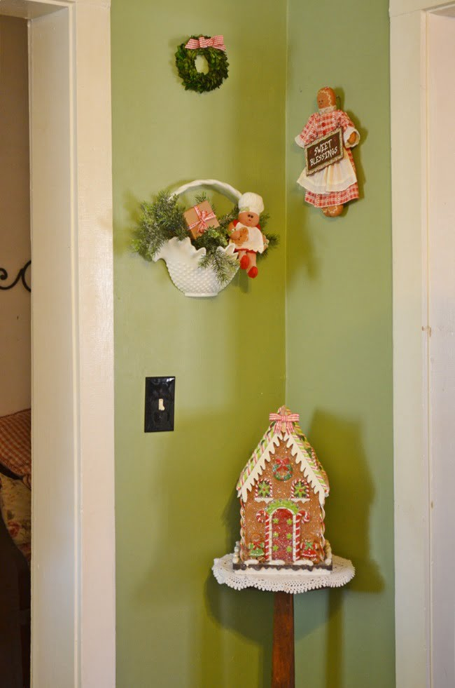 gingerbread kitchen decorations | Cottage at the Crossroads