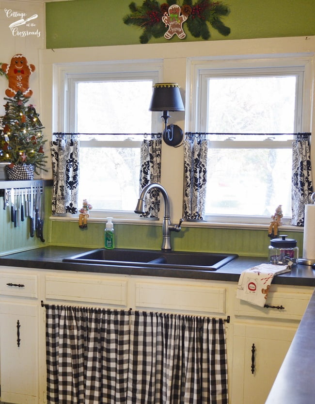 Cottage at the Crossroads: Gingerbread Kitchen
