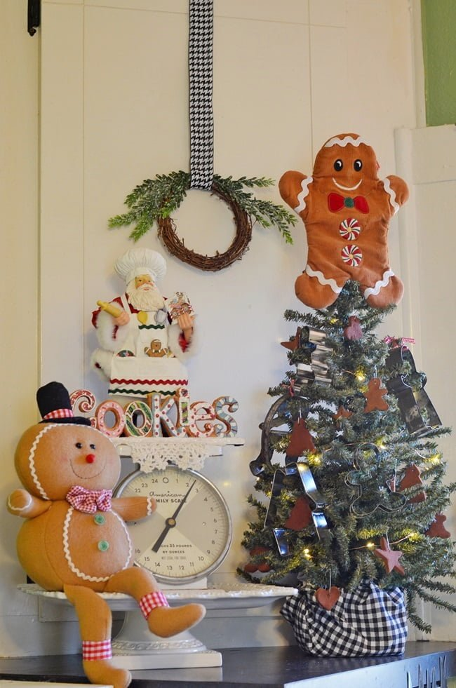gingerbread kitchen | Cottage at the Crossroads