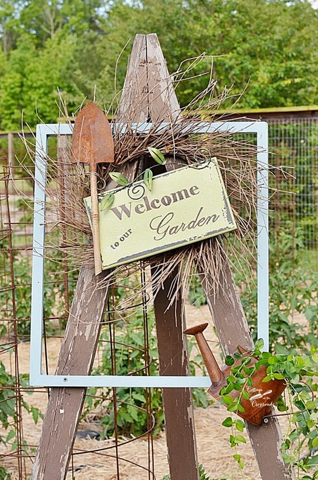 summer garden welcome sign