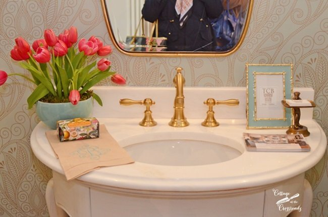 powder room at the Charleston Symphony Designer Showhouse | Cottage at the Crossroads