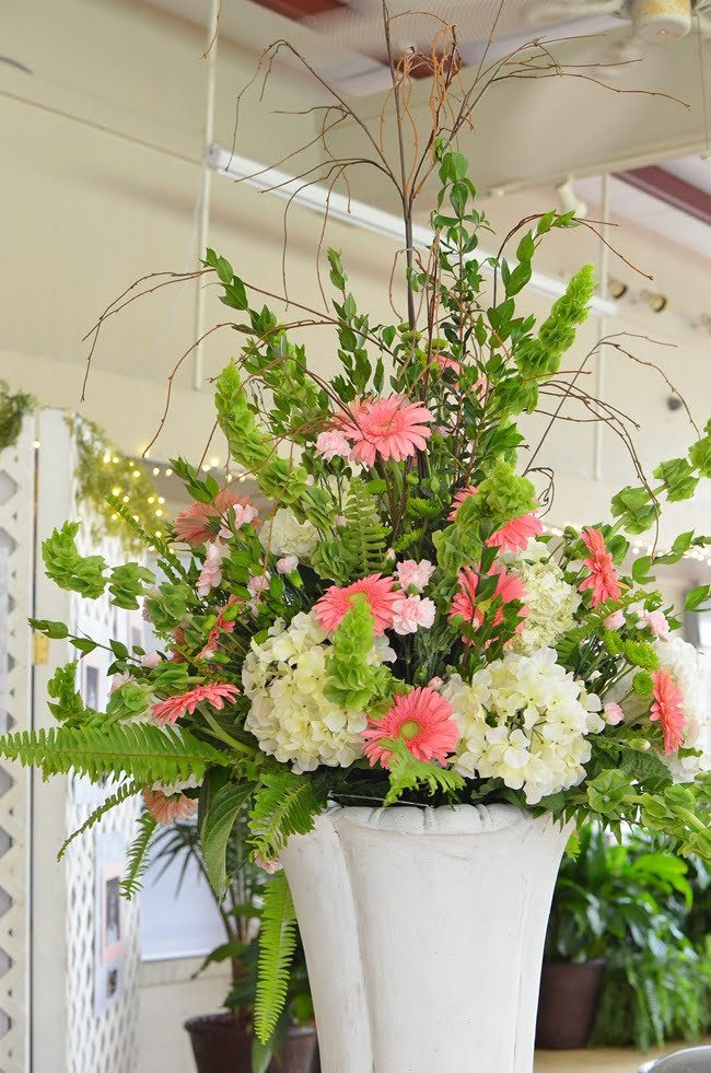 floral centerpiece | Cottage at the Crossroads