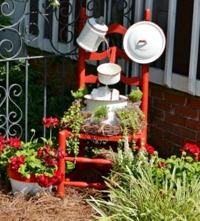 enamelware chair fountain