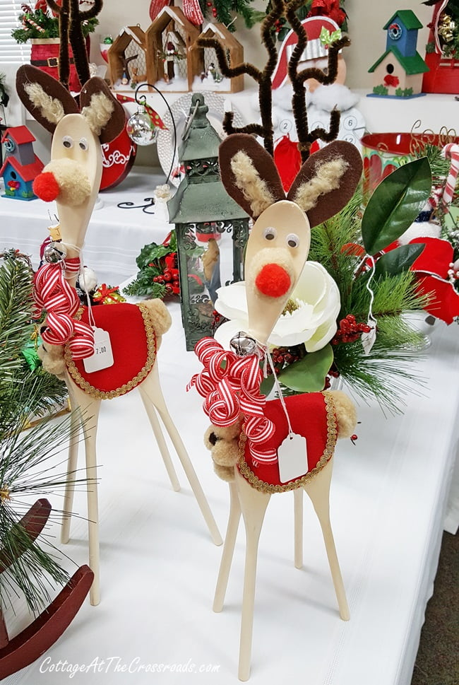 Christmas deer made from wooden spoons