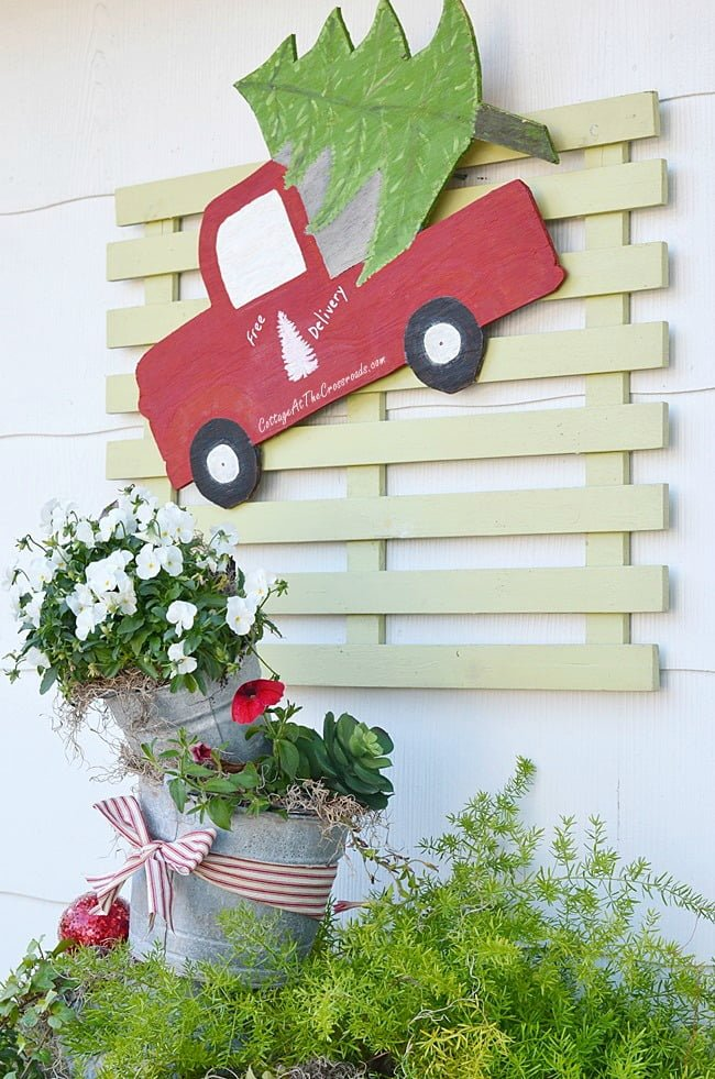 Outdoor Farmhouse Christmas Decorations