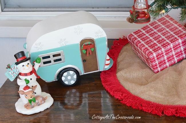 Christmas vintage camper