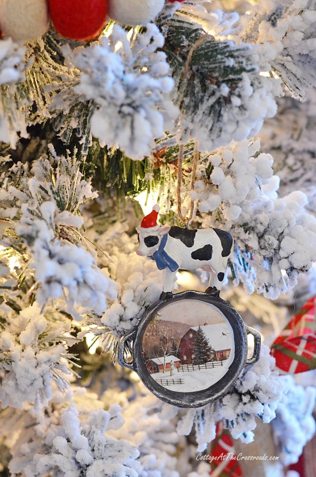 farmhouse Christmas ornament