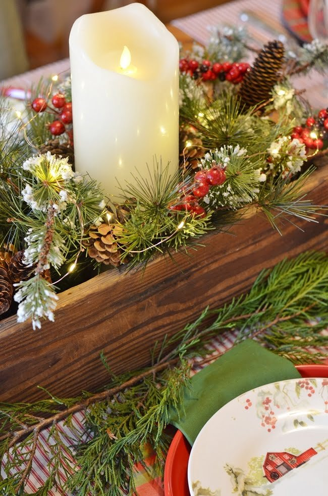 Christmas table centerpiece in an old pine box