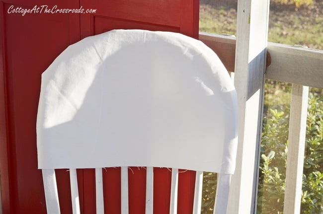 a tutorial on how to make folding chair covers