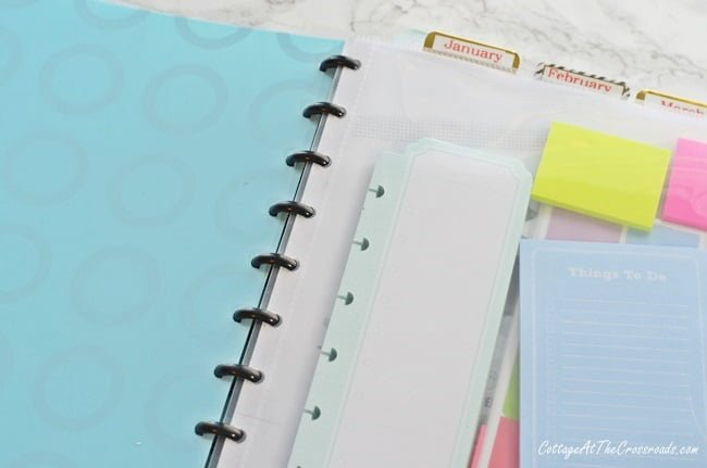 Discbound notebook lying flat when opened