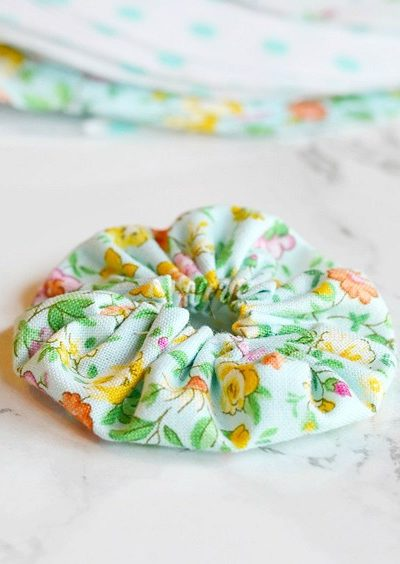 steps in making one of these fabric yo-yos
