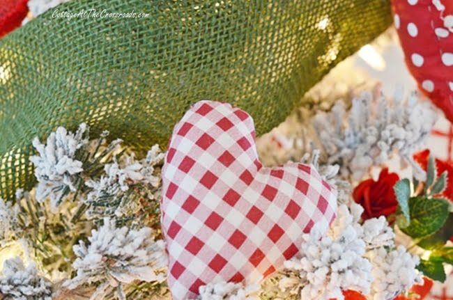 gingham red and white heart