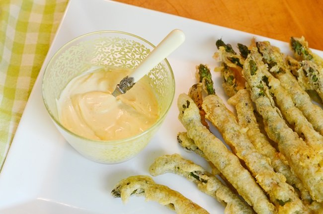 deep fried asparagus with a spicy dipping sauce